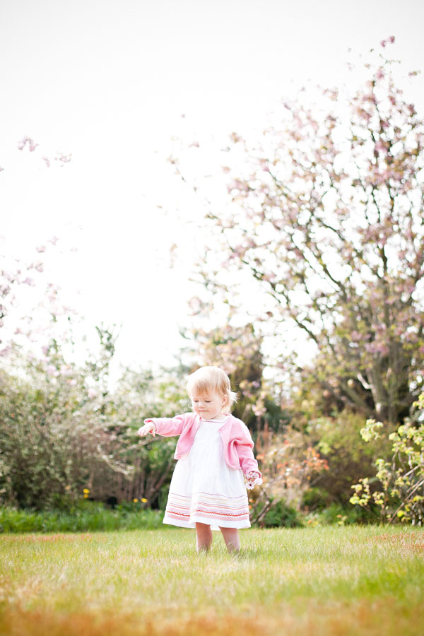 candid family photographer inverness