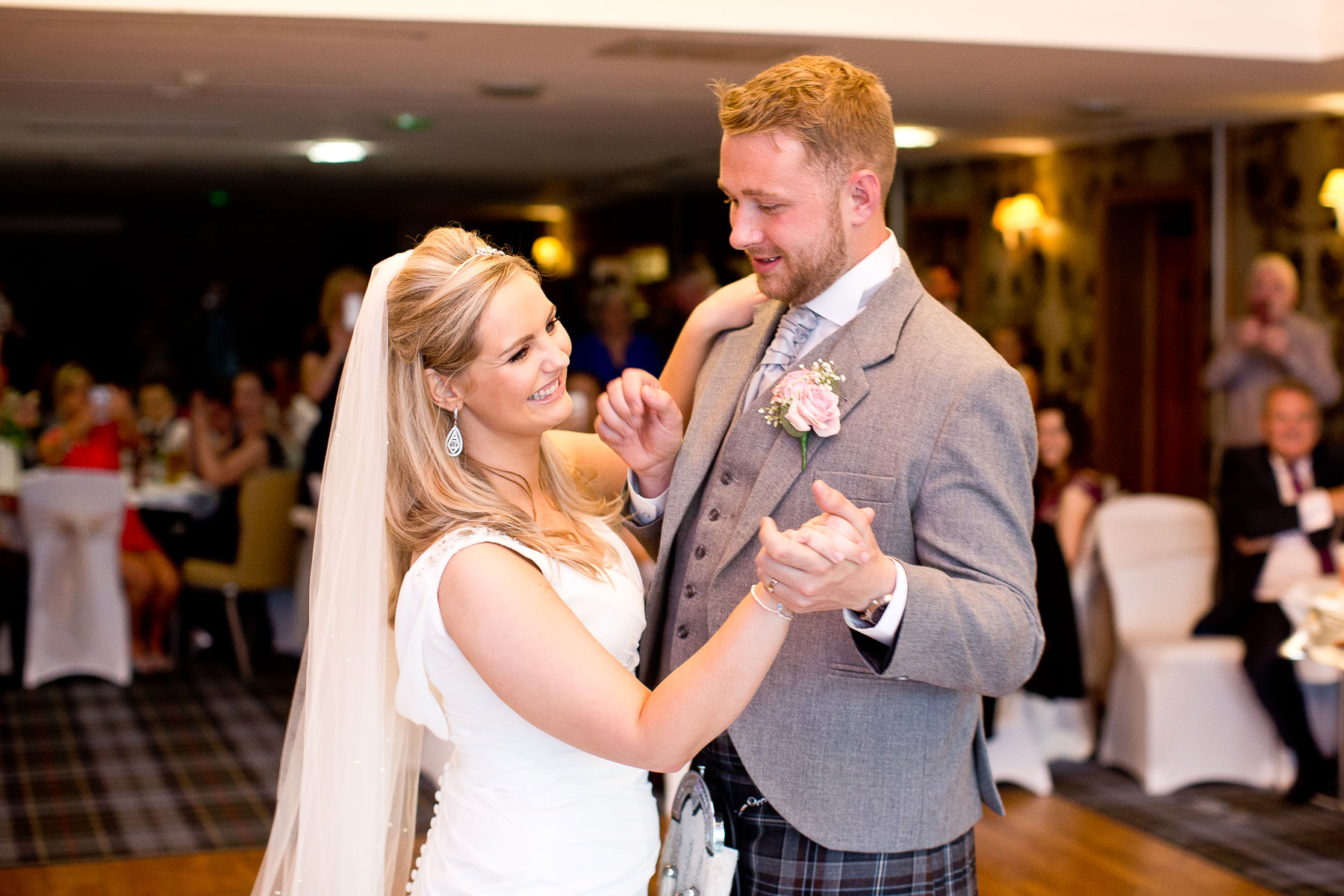 lodge-on-the-loch-wedding-dance